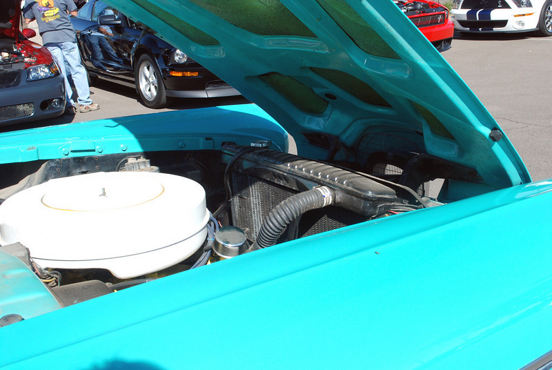 Edsel 1958 Pacer engine compartment