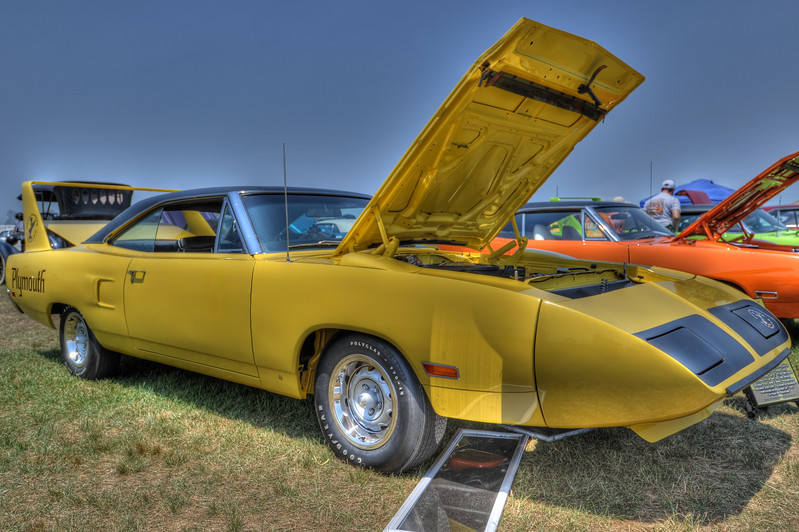 1105_2011CarShows_0106_08_10_12_14