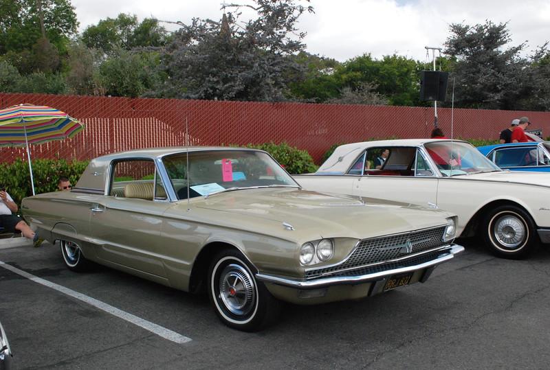Ford 1966 Thunderbird Town Landau & 1962 Landau ft rt