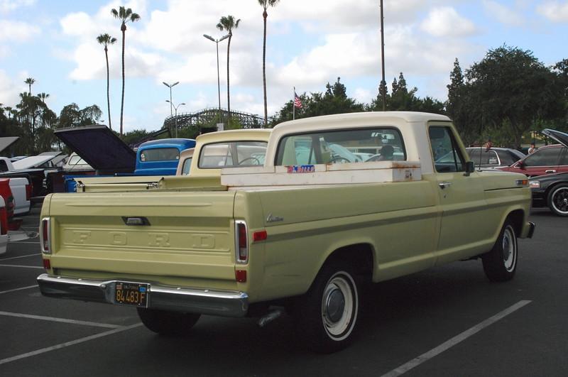 Ford 1970 pu F100 rr rt