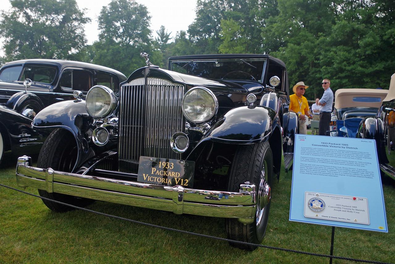1933 Packard 1005
