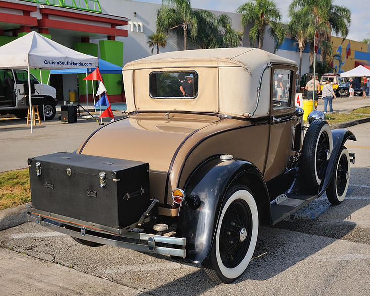 Ford Model A - (1931)