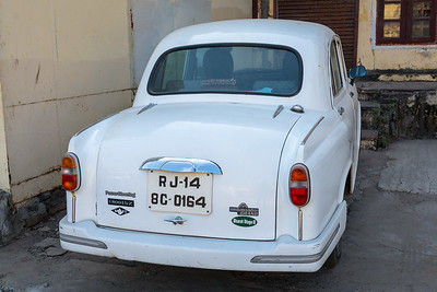 Hindustan Ambassador Grand 1800 ISZ MPFI