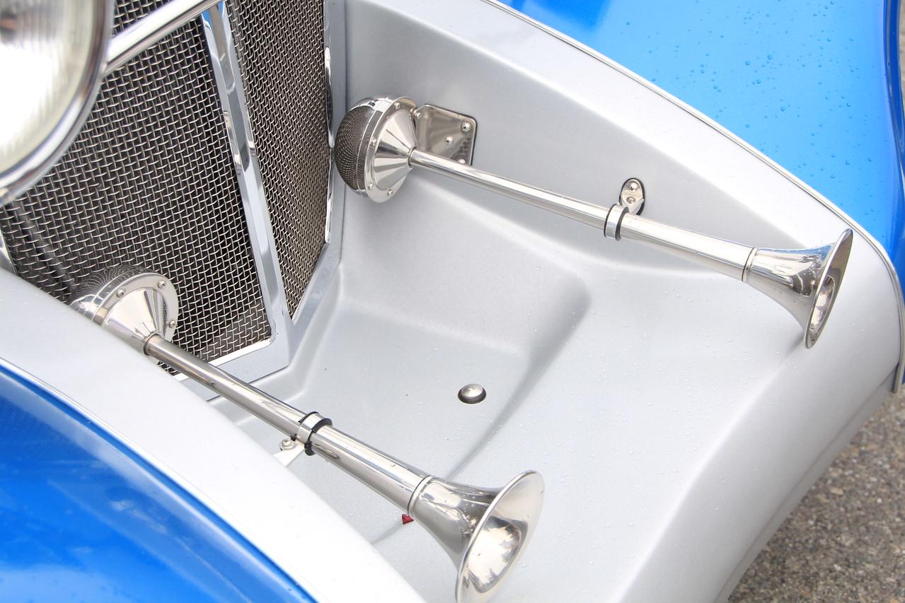 1934 Mercedes Benz 300K Horns