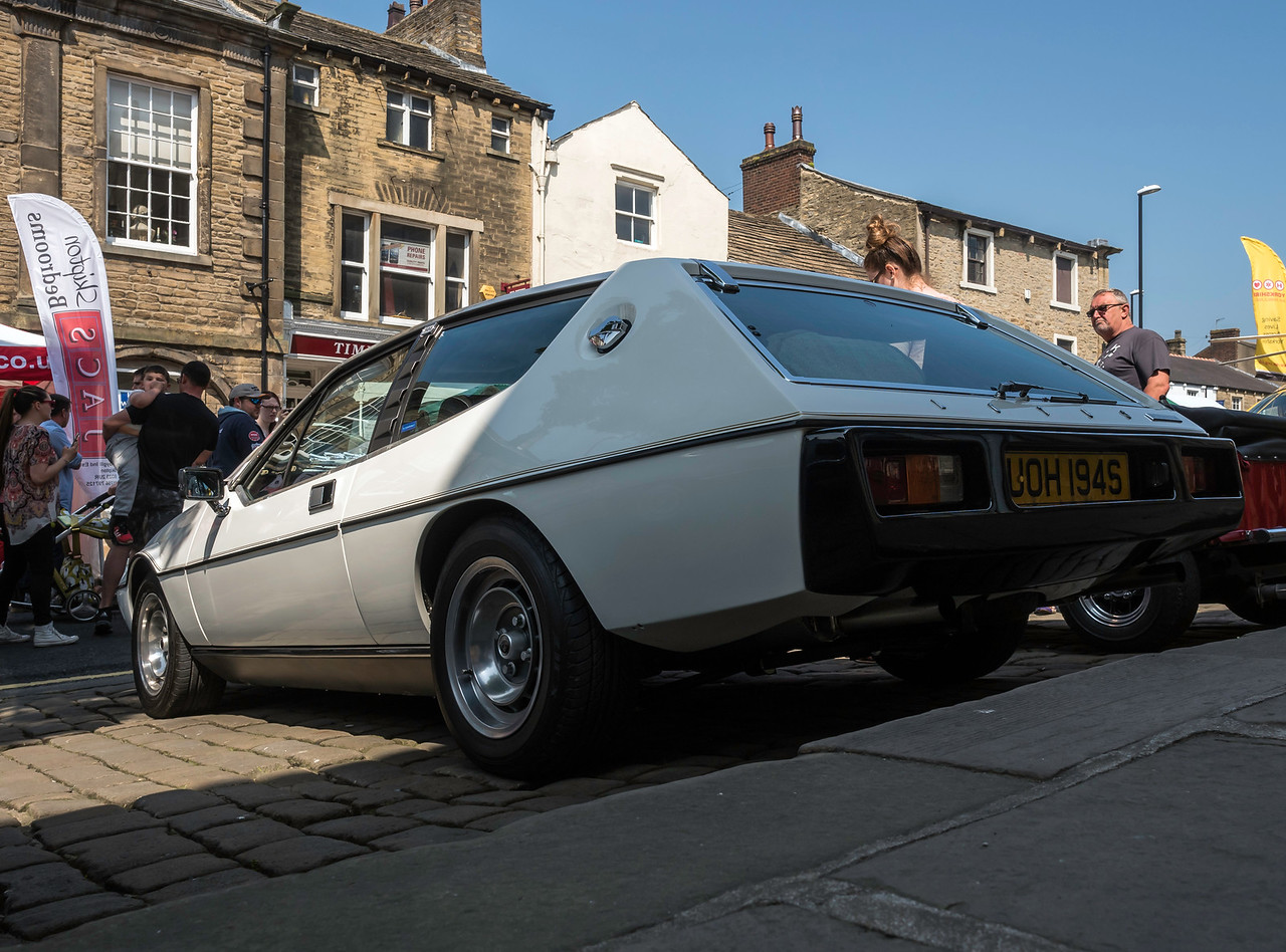 https://photos.smugmug.com/Cars/2016-Skipton-Car-Show-under/i-Gm9vbQg/0/686ca93d/X2/lotus%20elite_skipton%20car%20show%202016%20-227-X2.jpg