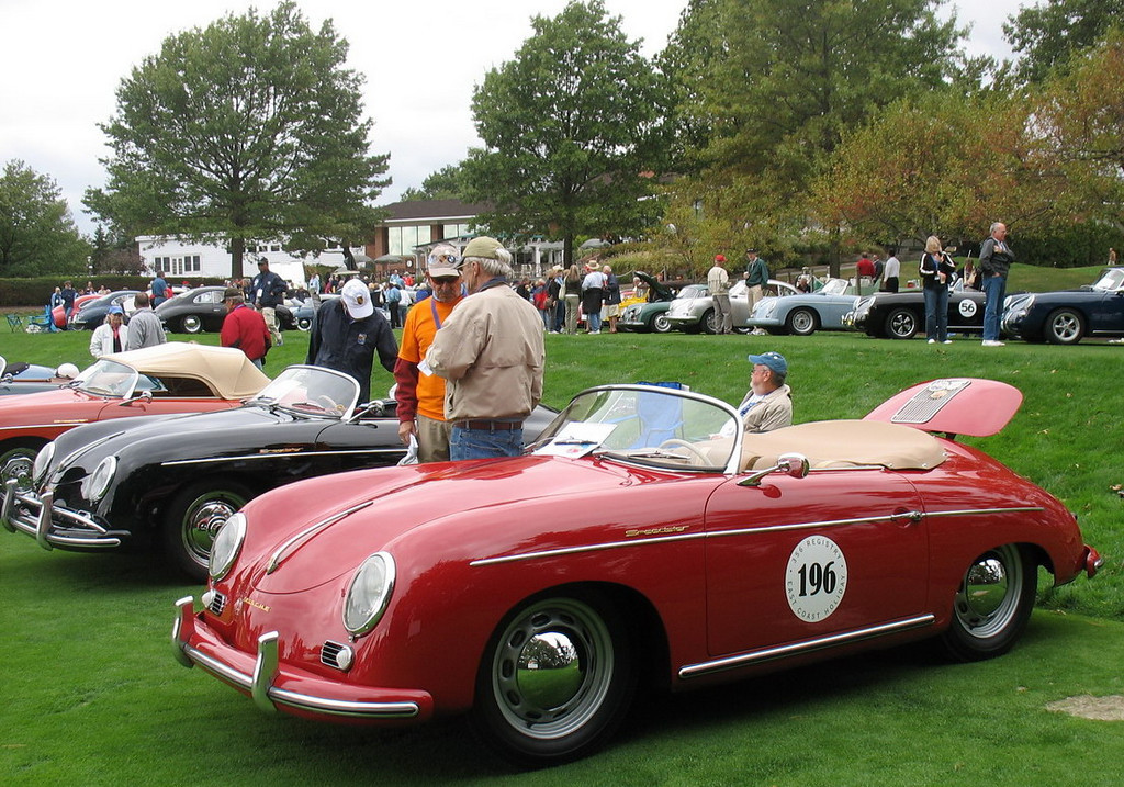A group of Speedsters. They say you can tell the Speedster drivers from the bugs on their foreheads.