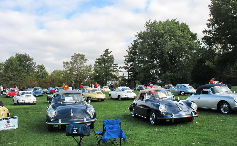 More 356C Cabriolets looking the other way.