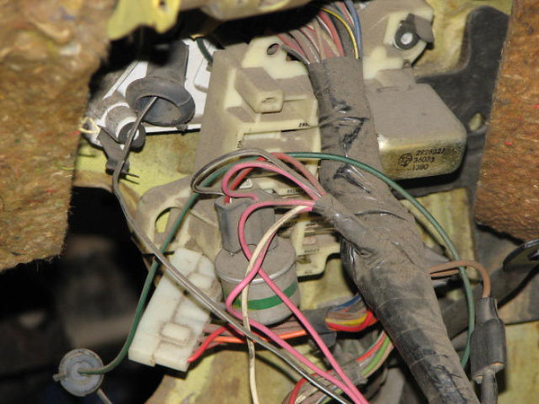 Close up dash wiring harness