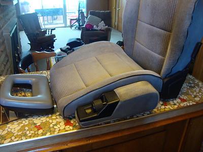 '91 Pass Van Armrest R&R