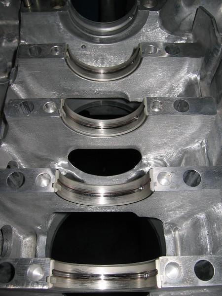 Grooved main bearings.