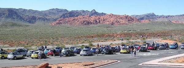 The MINIs descend upon the Valley of Fire Visitor's Center.