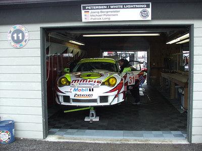 GT2 Petersen/White Lightning