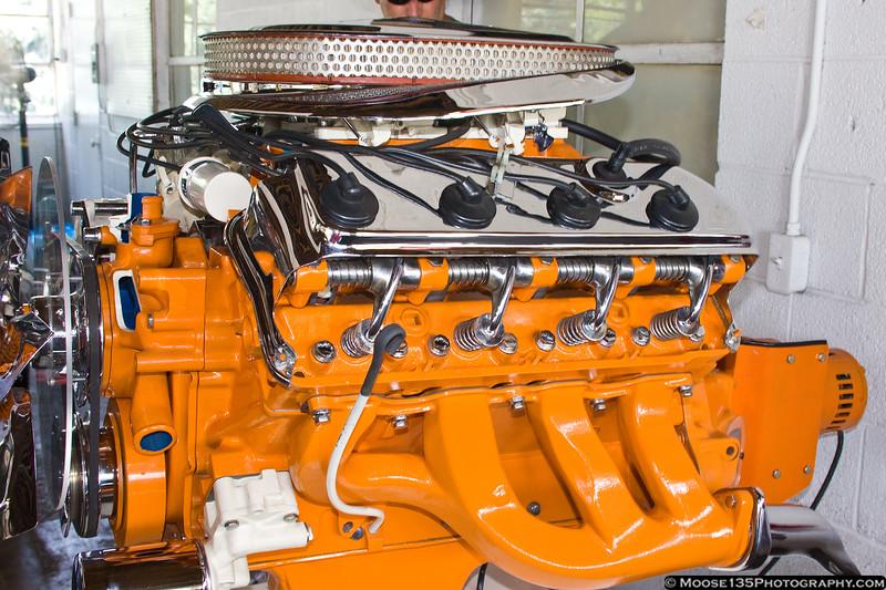 Cutaway Hemi display engine