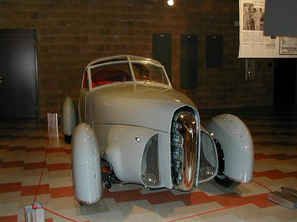 Racers, Auburn Cord Museum, 2001