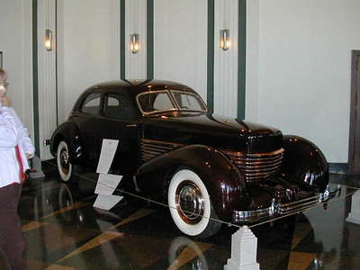 Antique cars 1-Auburn Cords at the  Auburn cord Museum
