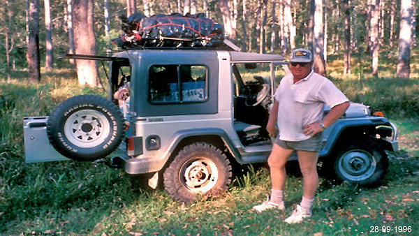 Col and Rocsta on Portmans Brisbane Forests 4x4 camping adventure. Great fellow adventurers. Terriable trip down Detriot Locker rear diff makes rig want leave the road. Changed tyres helped. Same dia