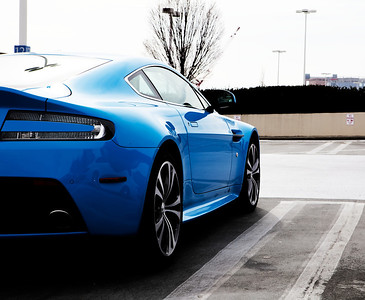 aston martin collection  v12 vantage