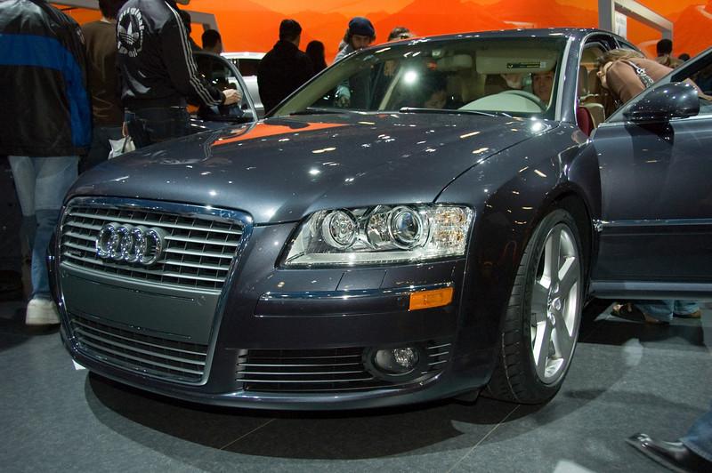 2006-01-16 - LA Auto Show - Audi A8 L - front - DSC_0039