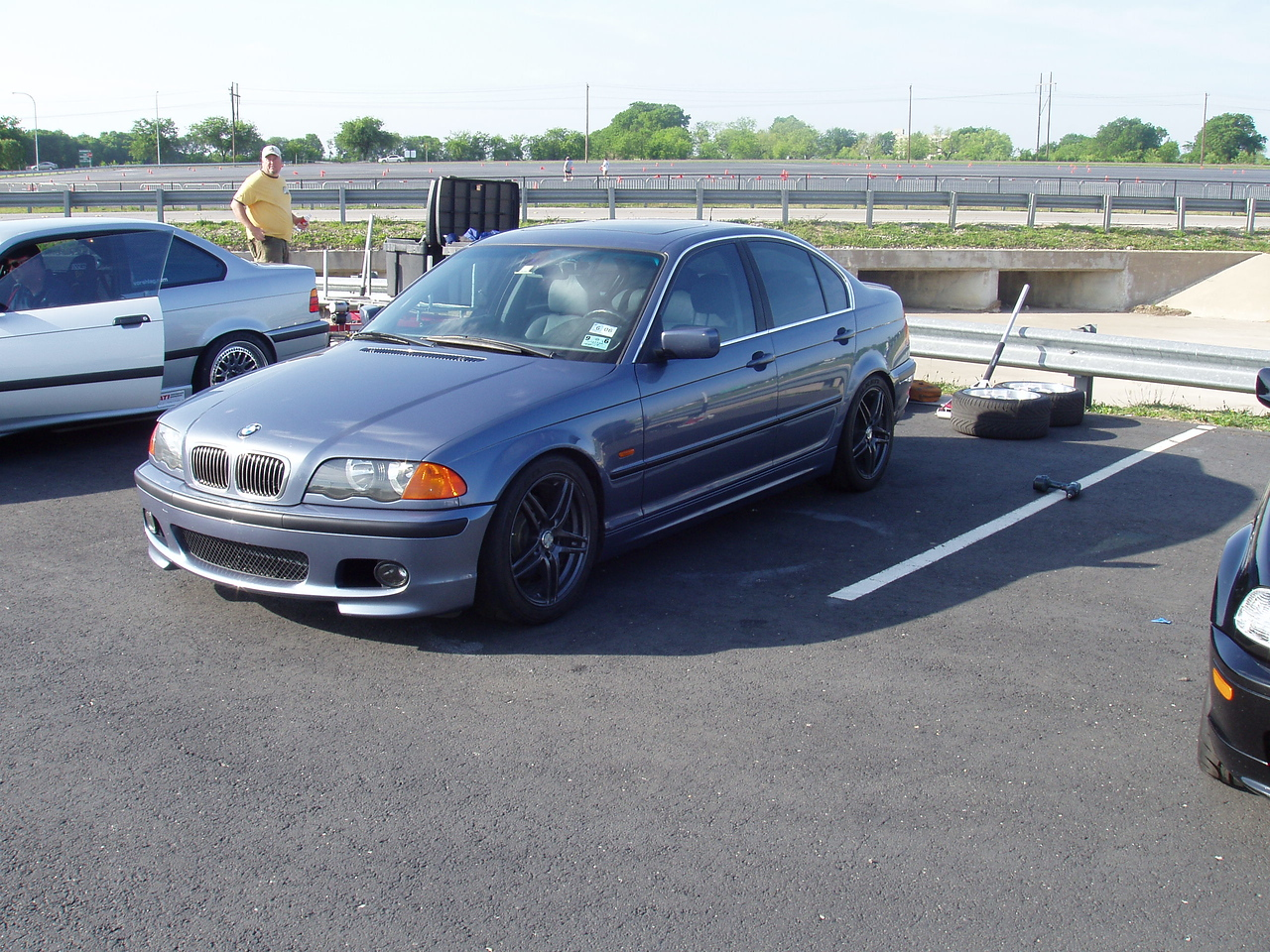 Sean's 328i in the pits