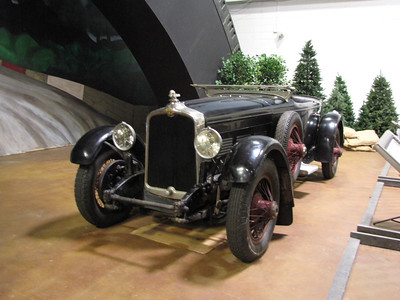 AMERICANS AT LE MANS. Stutz Black Hawk. A normally-aspirated version similar to the one Stutz sent to Le Mans to take on the Europeans.
