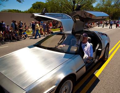 DeLorian auto (National Independence Day Parade 2010)