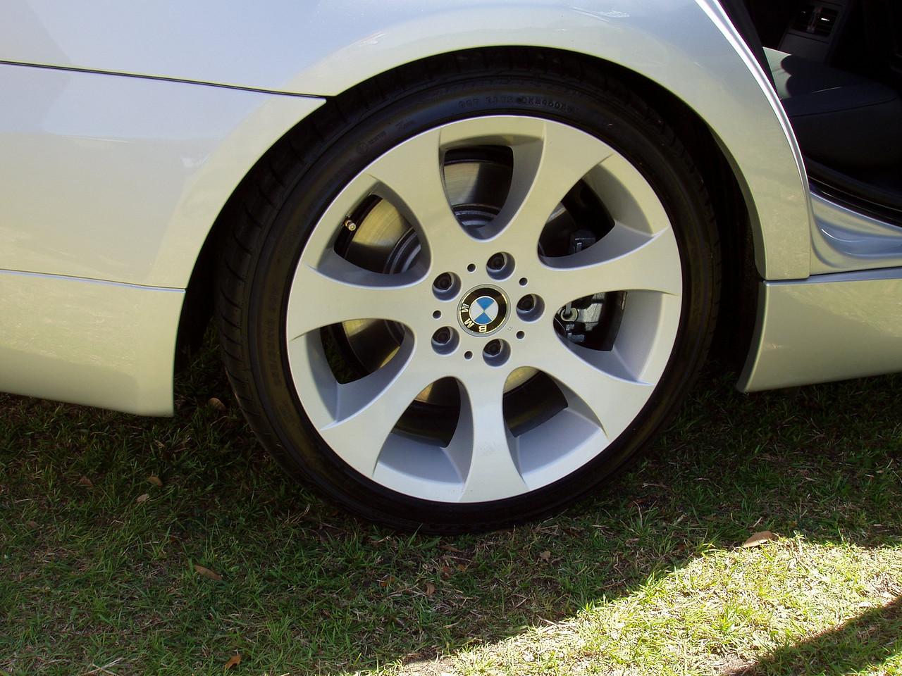 2006 330i Sport Package rear wheel/brakes