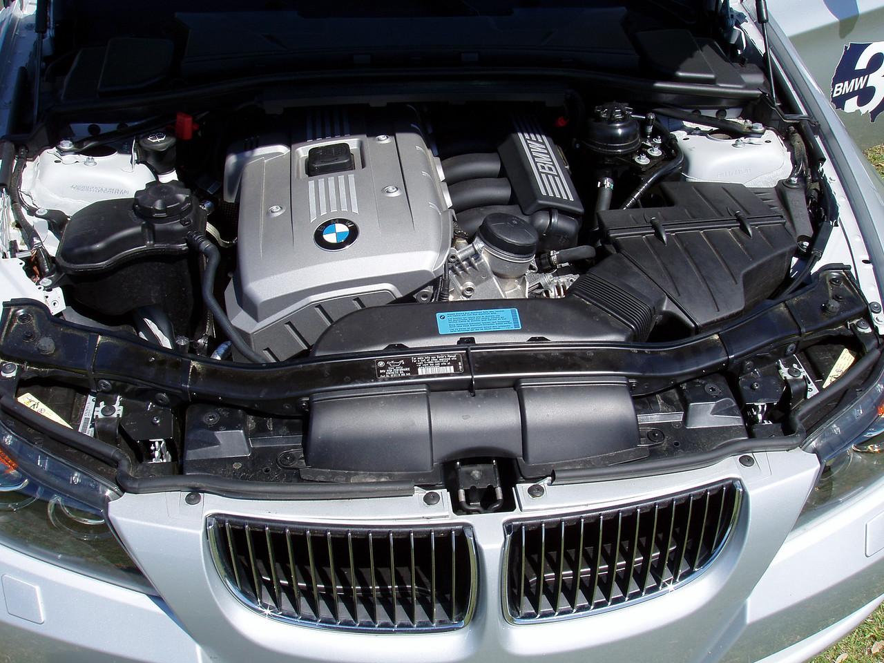 2006 330i Sport Package engine