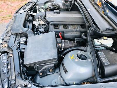 Original M54 valve cover and 325i manifold