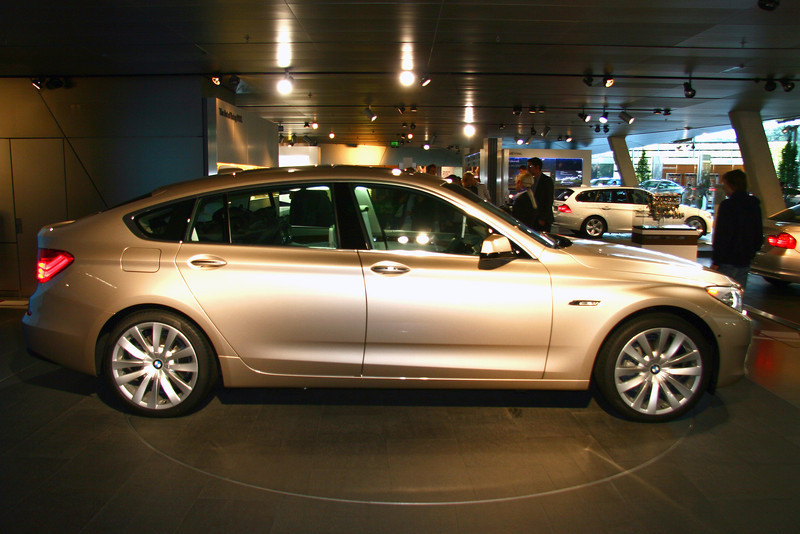 5 Series GT - Hideous replacement for US 5 Series Touring.  Shame BMW, Shame...