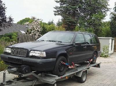 Banger van 77 Dave Saunus Volvo 850 estate
