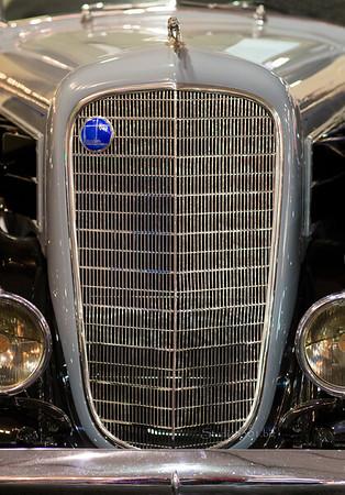 Lincoln V12 silver grill 4881