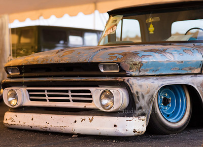 Marbled rusted truck full 4934