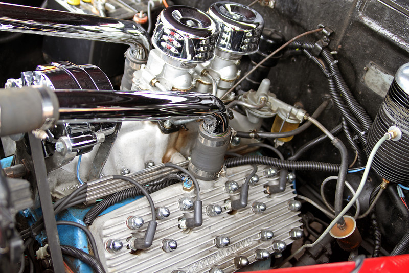 Sweet dual-carb flathead V8 with Offenhauser heads
