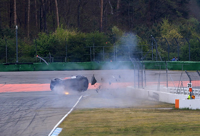 Horror crash of Philippe Kiener (SUI) with his Lamborghini Supertrofeo. Driver injured (Lendenwirbelbruch). Get well soon!