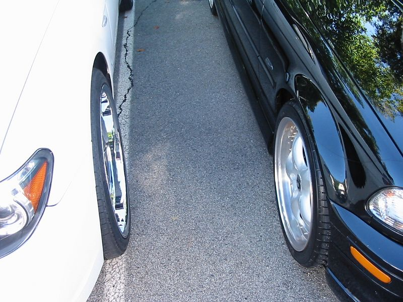 """E65 with 22"""" DUBS (18"""" wheels on the right)"""