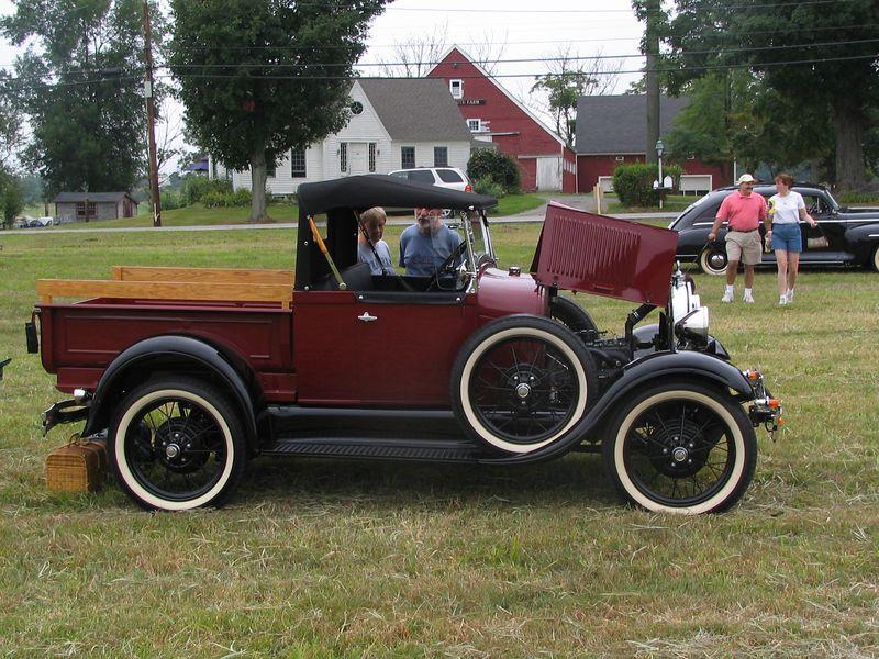 Ford Model T pickup (class winner)