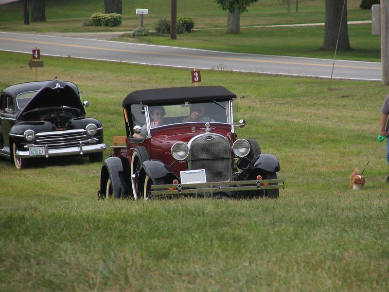 Ford Model T pickup (class winner)