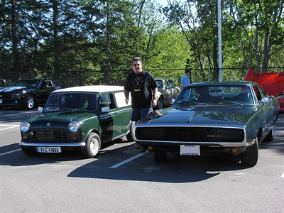 2010/9. Mini Cooper & Dodge Charger