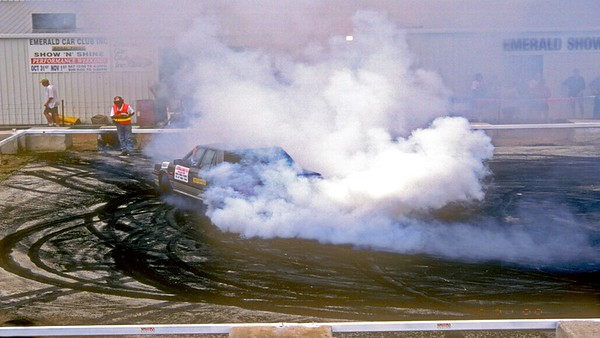 31-10-1998  Aaron Francis powers the mighty Nissan Skyline through a series of class two legged burnouts at the Emerald pad.