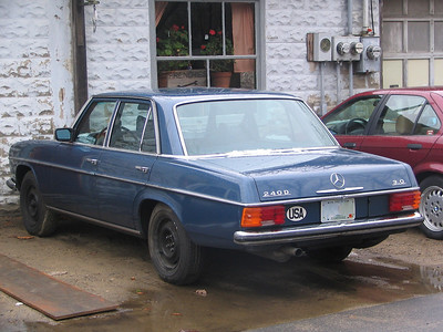 Mercedes-Benz 240D at Frenchie's Garage, Essex, MA