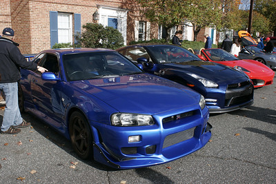 Nissan R34 Skyline GT-R and current GT-R