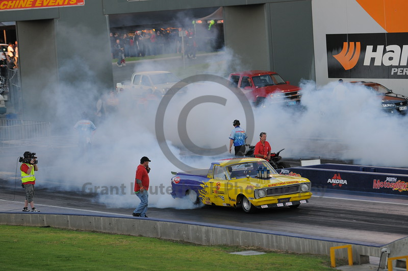 Racing at the Quit Motorplex in Kwinana Western Australia. Its amazing what you can do with some aluminium pipe and some blue flanges.