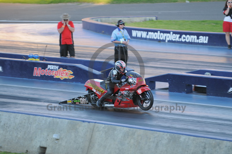 Racing at the Quit Motorplex in Kwinana Western Australia. Bike for sale. Only used on weekends.