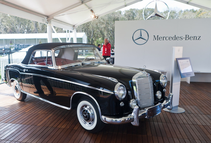 1960 MercedesBenz 220SE Cabriolet restored by MB Factory