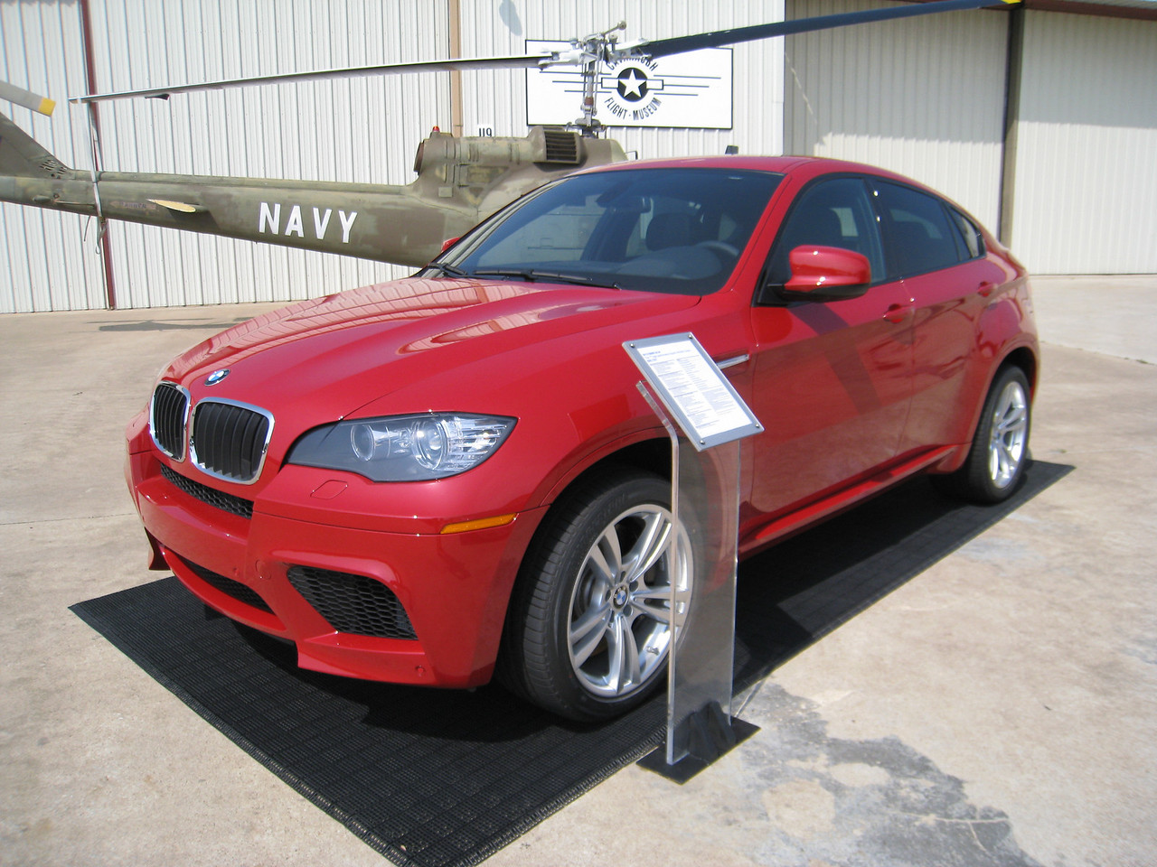 BMW X6 M - Imola Red
