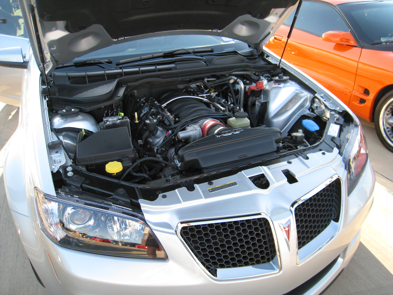 Pontiac G8 GXP Engine