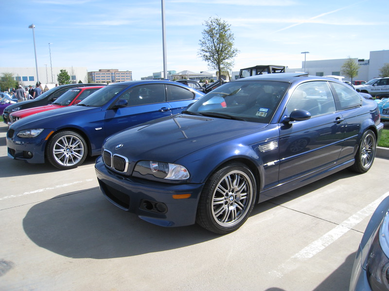 BMW E46 M3 (right) and 335i M Sport coupe (left). I'll take both, please.