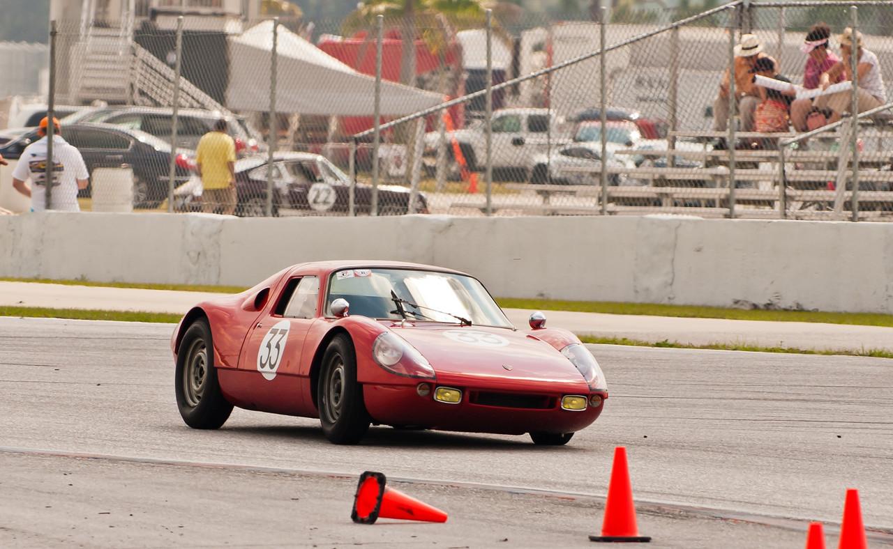 1964 Porsche 904 GTS hard cornering