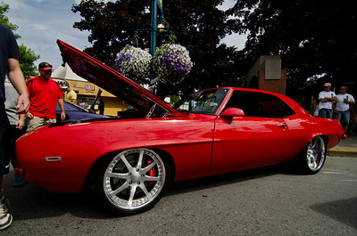 The side view of the Camaro.