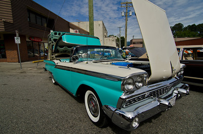 I imagine this car would've been hot in White Rock in the '50s